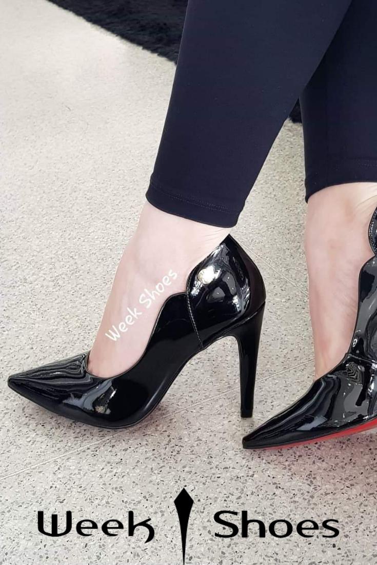 dc4170b777 #weekshoes #saltoalto #shoes #calçados #scarpinpreto #scarpin #preto  #fashionistas #chique #sapatosdeluxo #modafeminina #lookdodia #cute  #euquero ...