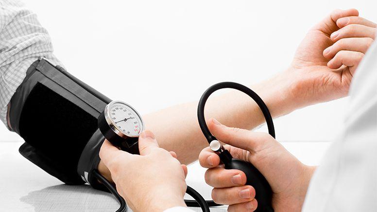 Cum îți scazi tensiunea în doar 5 minute fără niciun medicament. E aproape un miracol!