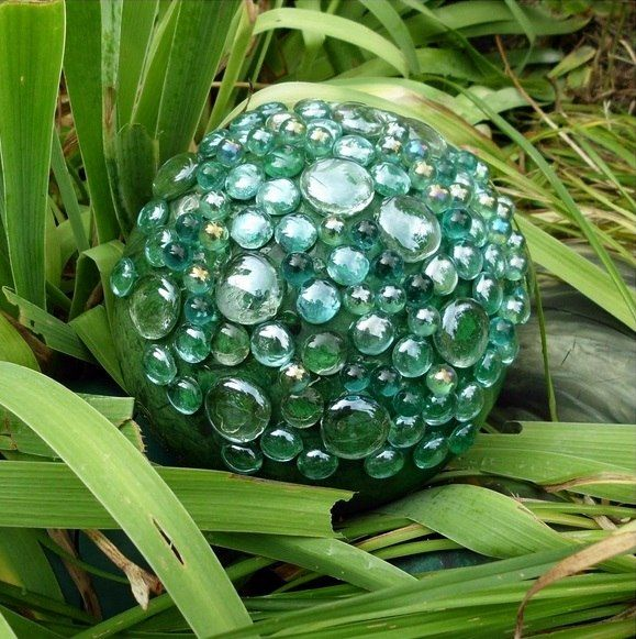 How To Decorate A Bowling Ball Original Diy Garden Decorations Bowling Balls Ideas Glass Beads