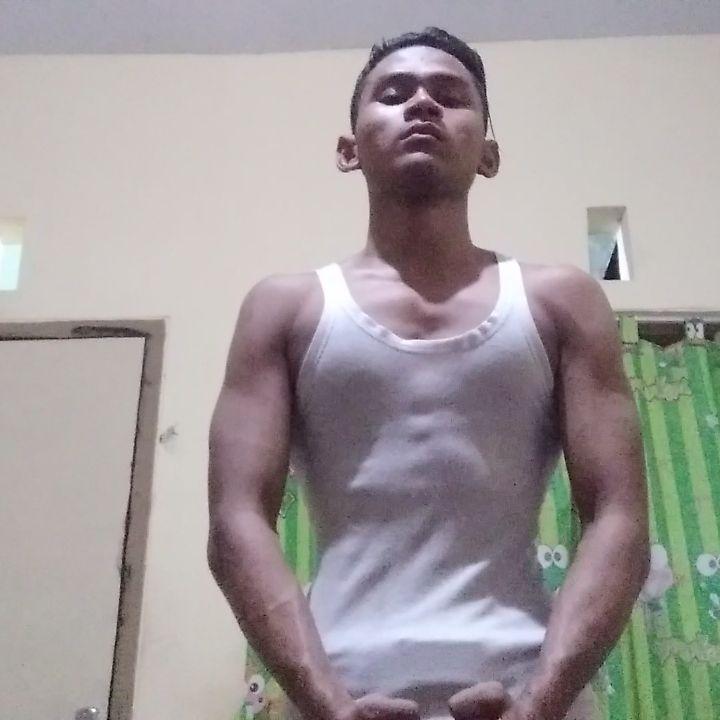 I'm skinny?? #gymnastics  #gym  #gymmotivation  #fitness  #fitnessmotivation  ...