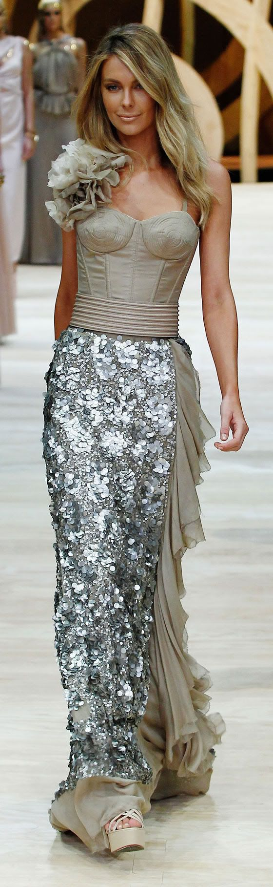 I SOOO want this dress!!!!!!! Can someone say Gorgeous?!