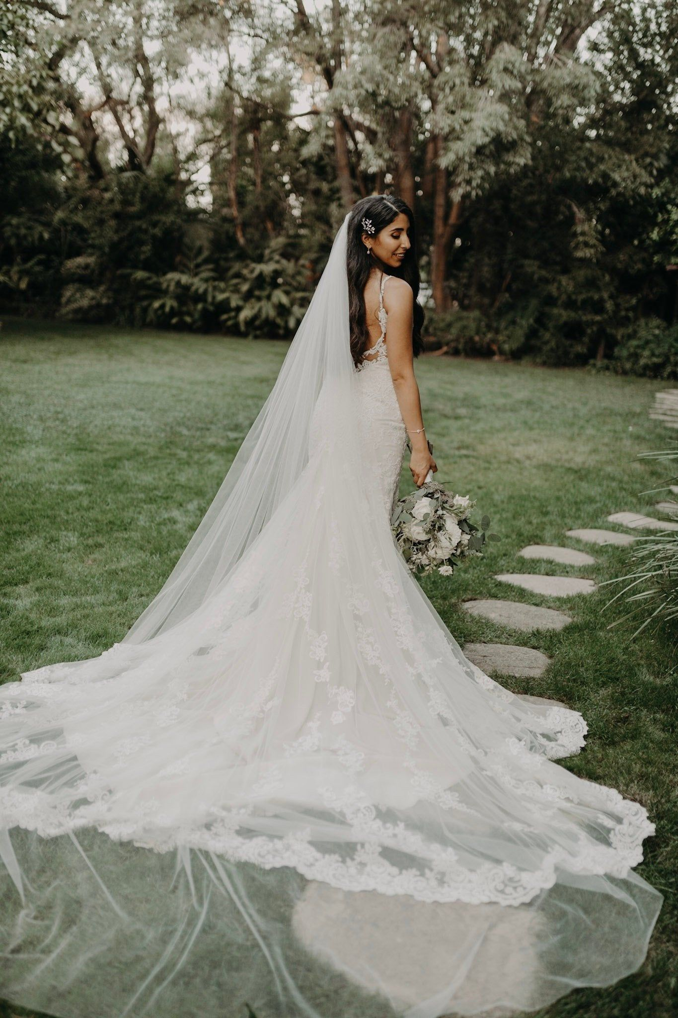 Etsy Cathedral Veil Bridal Wedding Veil White Ivory Diamond Etsy In 2021 Wedding Bridal Veils Cathedral Bridal Veils Elegant Bridal Veils [ 2048 x 1365 Pixel ]