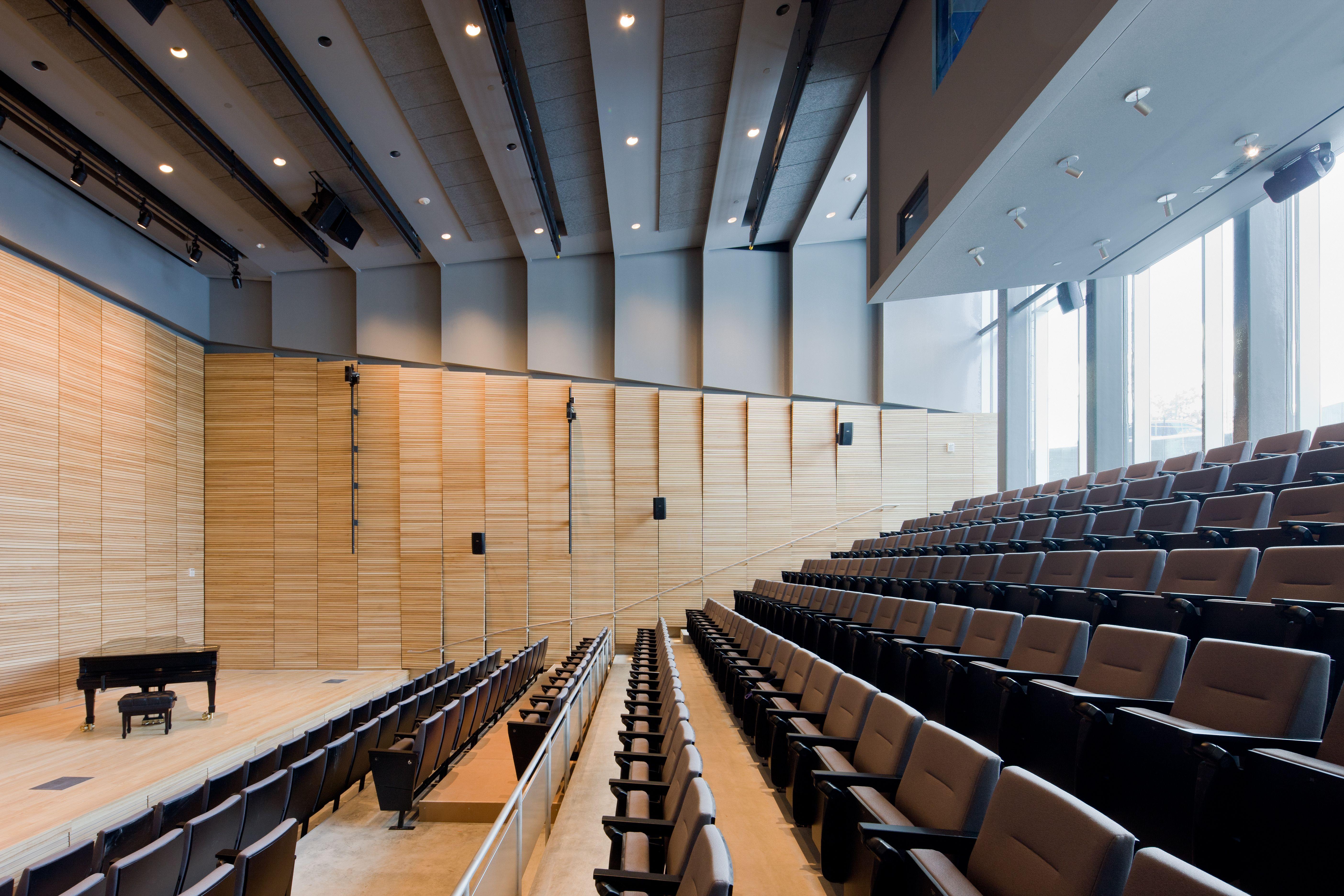Browncac granoff center martinos auditorium diller for Kimberly hall creative interior design