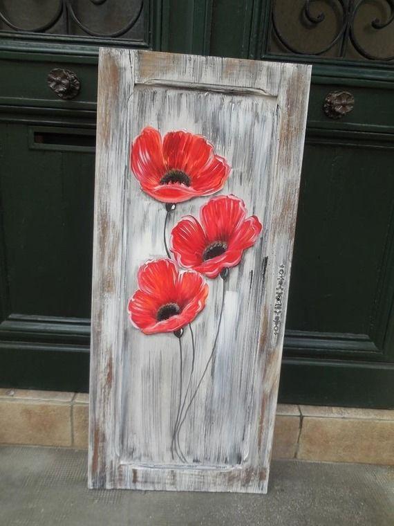 coquelicots peints sur une ancienne porte de placard art. Black Bedroom Furniture Sets. Home Design Ideas