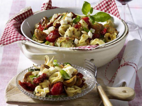 Salate zum Grillen - das schmeckt hervorragend zu Würstchen, Steak & Co. | KÖSTLICH, #amp #das #Grillen #hervorragend #KÖSTLICH #Salate #schmeckt #Steak #Würstchen #zum
