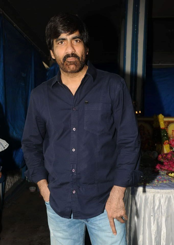 Actor Ravi Teja and Uttej are very good friends since their