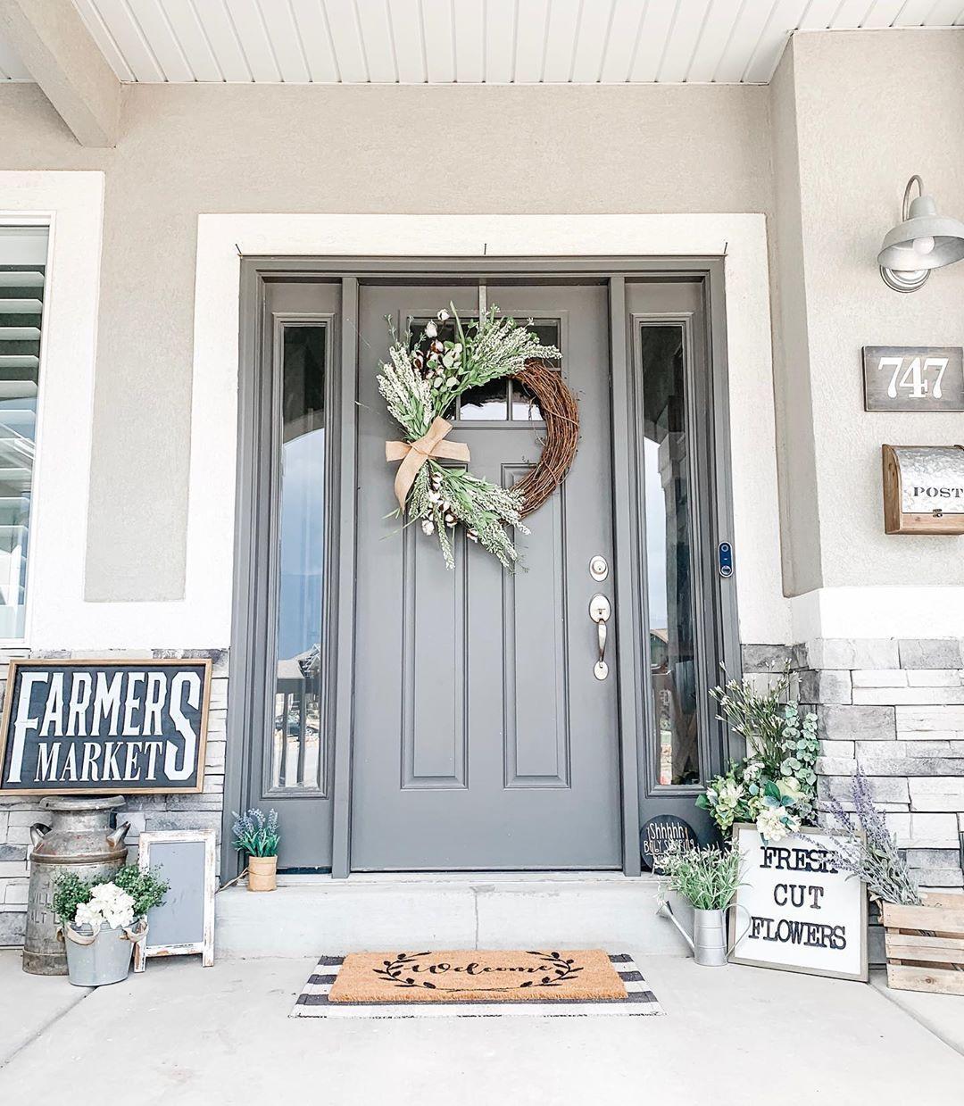 45++ Farmhouse front porch decorating ideas trends