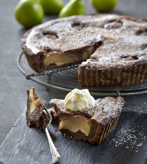 Pæretærte med marcipan og chokolade | Opskrift | Kager | Pinterest | Desserts, Cake og Pie