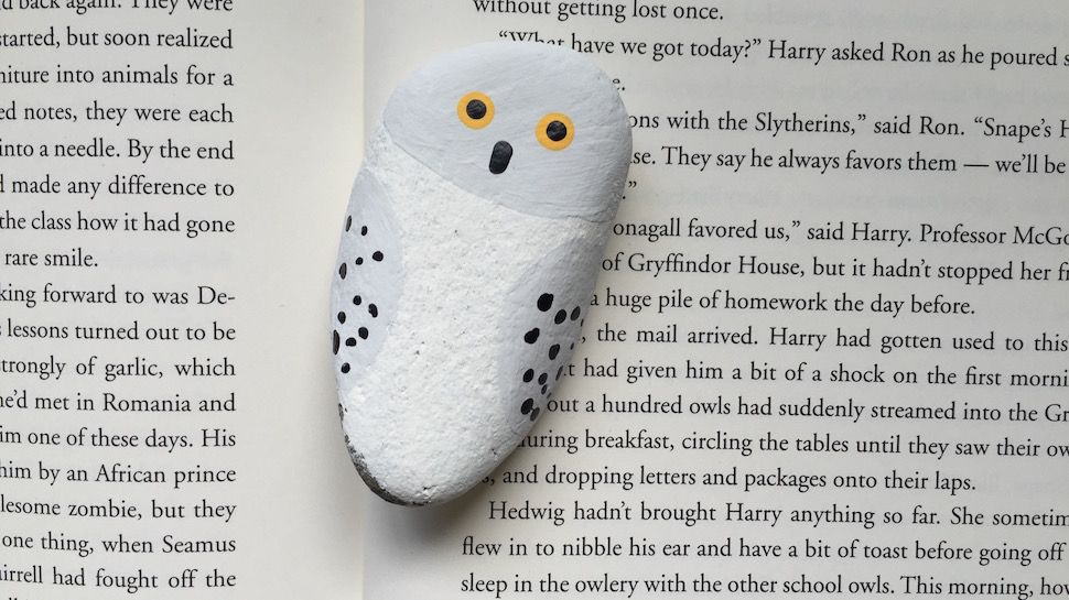Harry Potter And The Painted Stone A Simple Kids Craft Geek And Sundry Harry Potter Kids Easy Crafts For Kids Harry Potter Painting