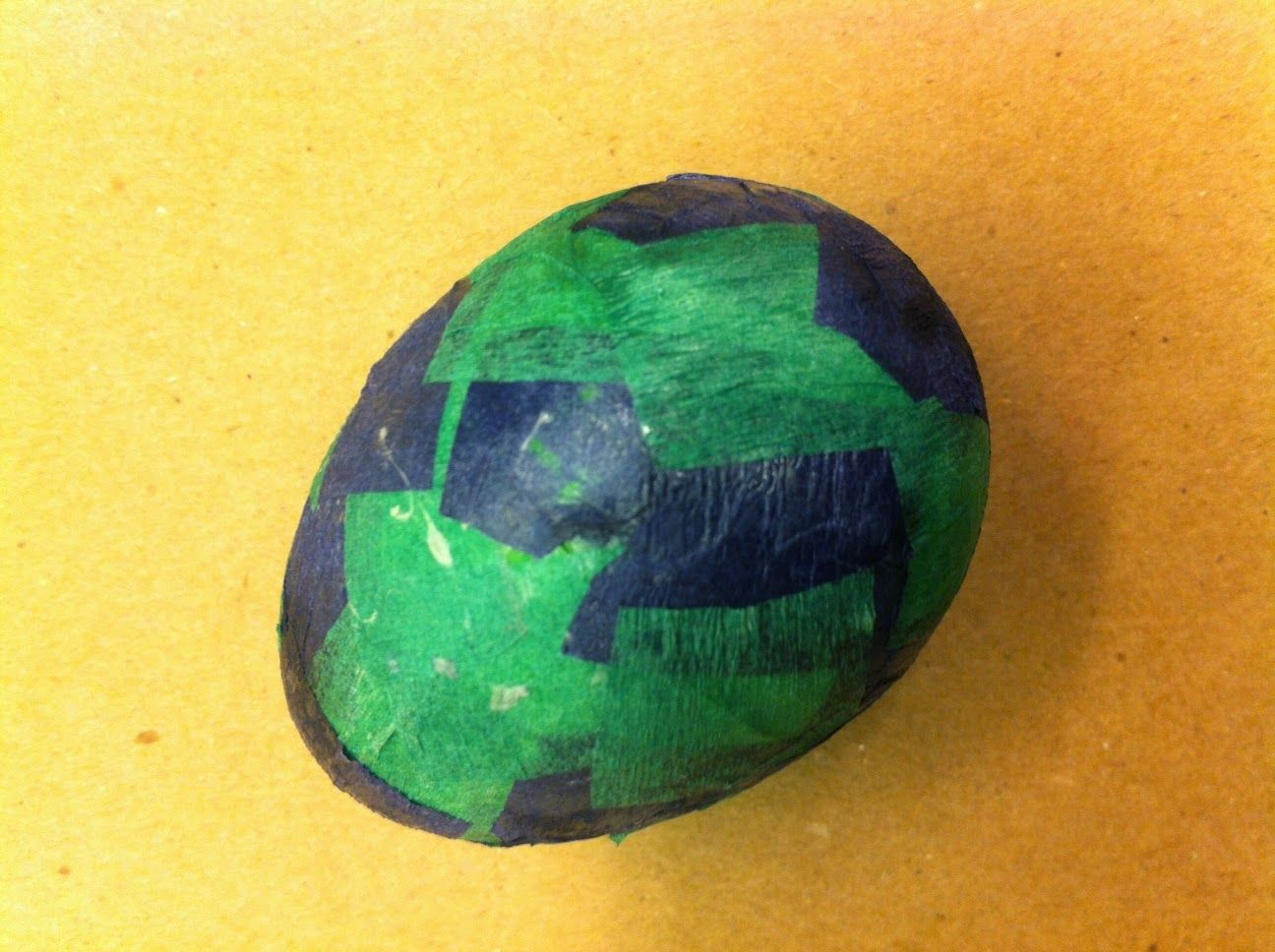 Make dragon eggs paper mache craft for little hands and a great make dragon eggs paper mache craft for little hands and a great way to use jeuxipadfo Images