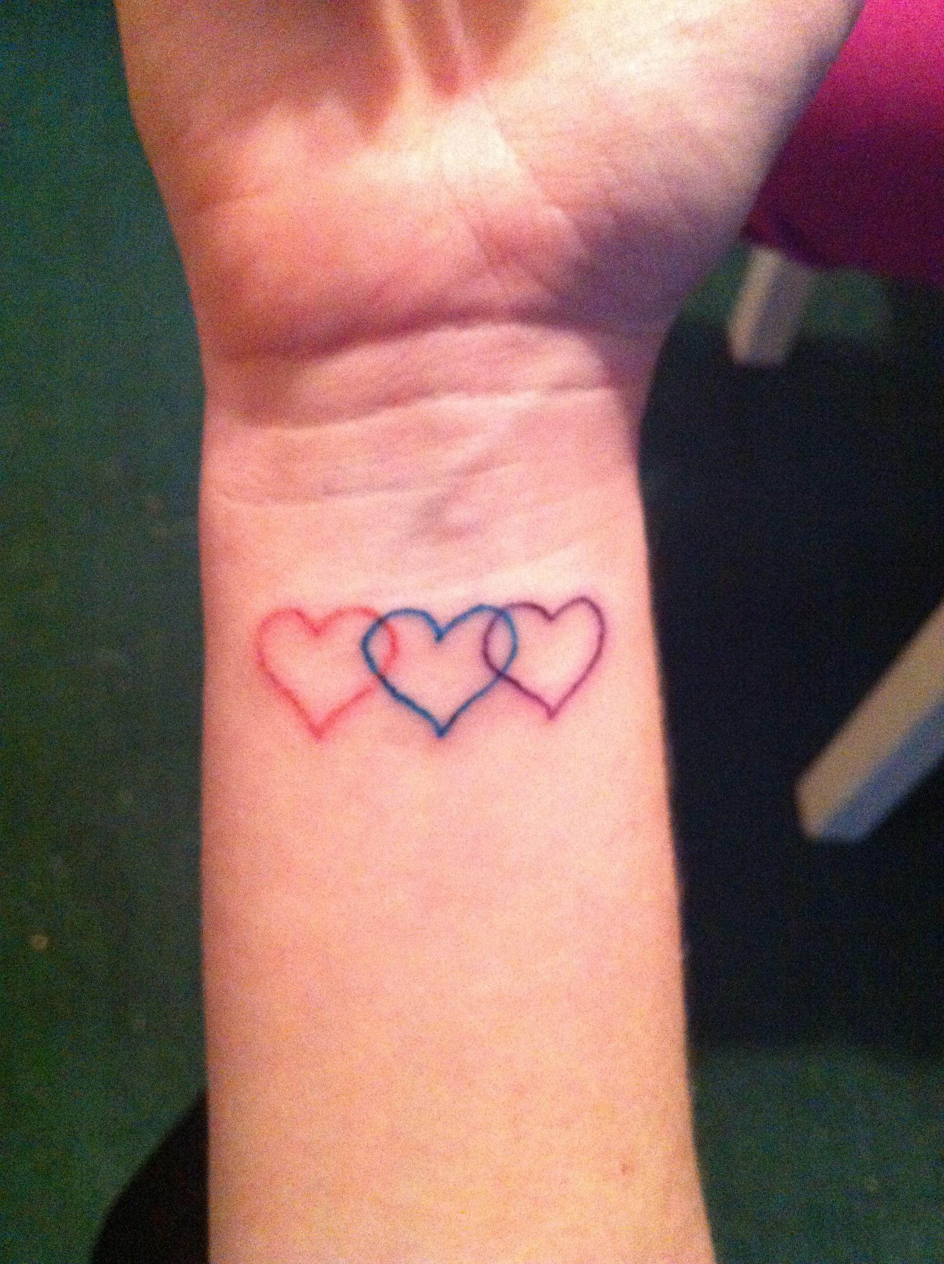 3 Hearts Tattoo : hearts, tattoo, Vanessa, Johnson, Stylish, Tattoo,, Heart, Tattoo, Designs