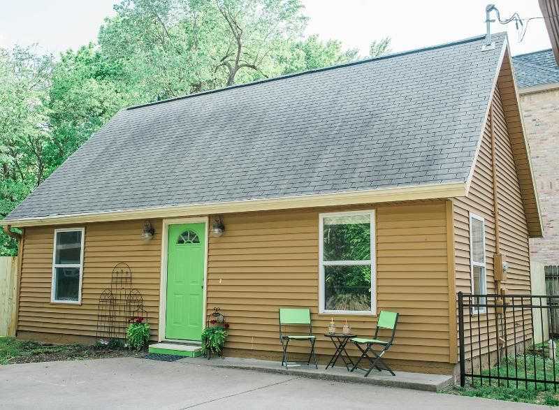 Bentonville cottage with 2 bedrooms | FlipKey | Arkansas | Pinterest ...