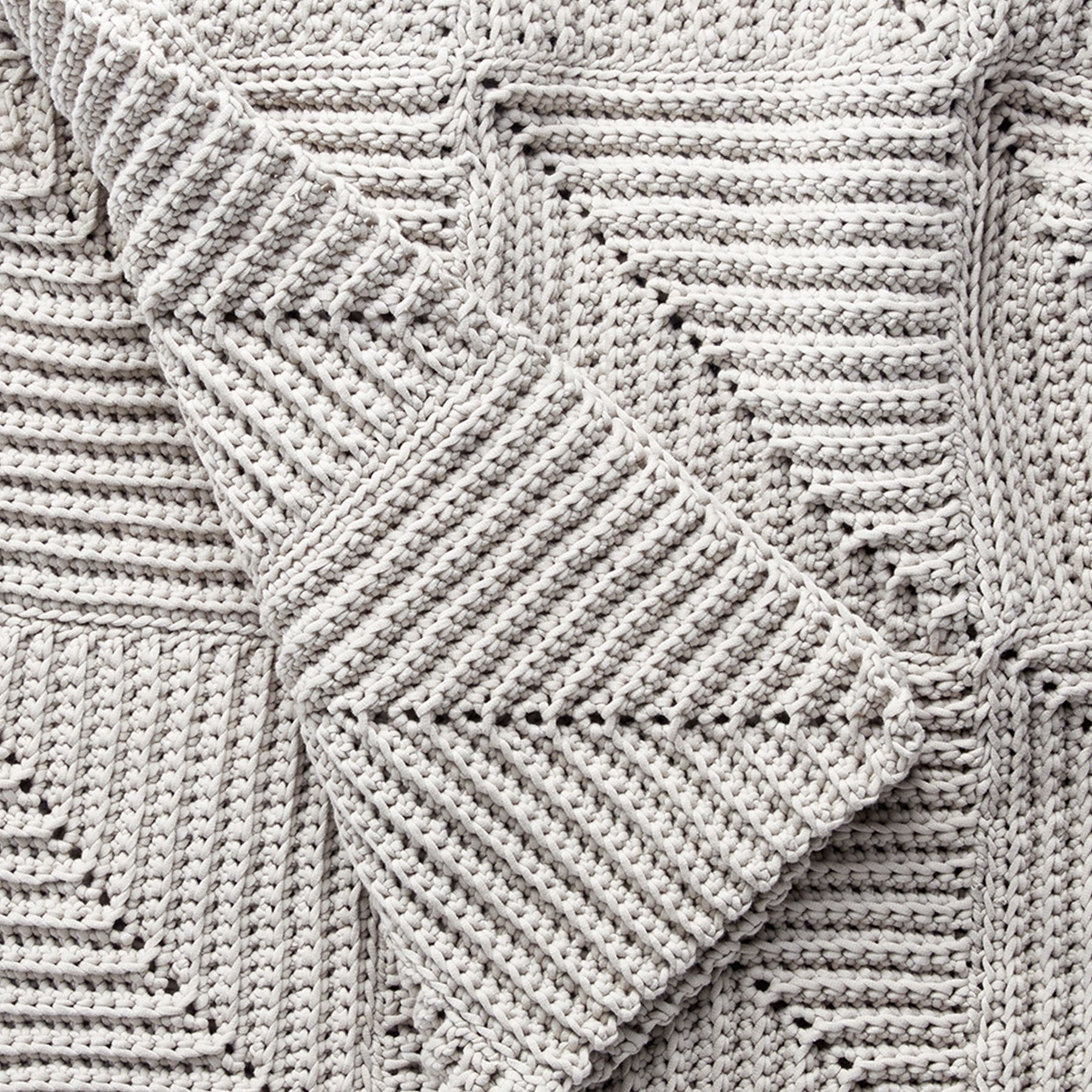 This mitered blanket is a fun and easy way to achieve stunning ...