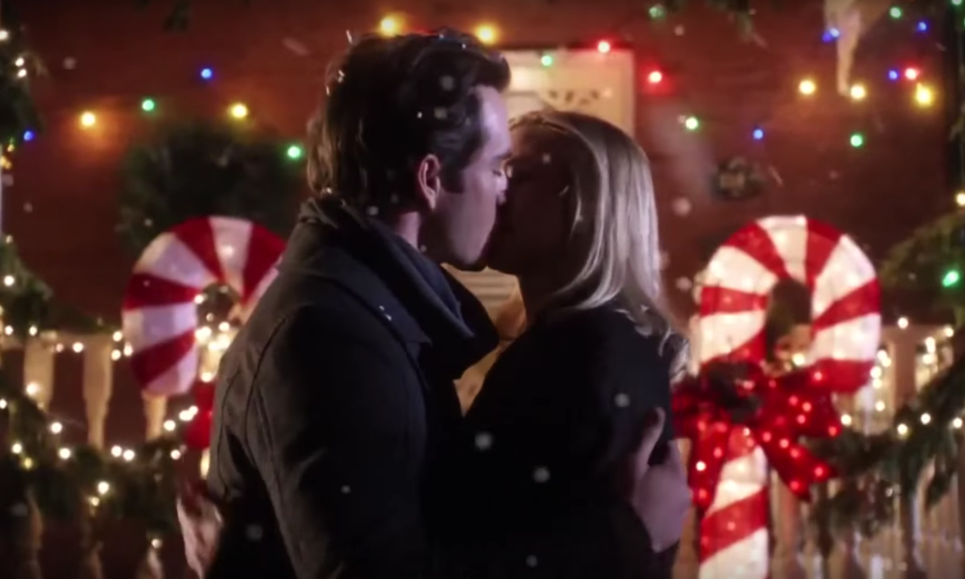 17 Cheesy Christmas Movies On Netflix To Boost Your