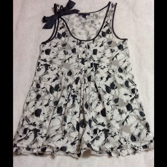"""Selling this """"Cute dressy tank with bow"""" in my Poshmark closet! My username is: yorkguardgurl08. #shopmycloset #poshmark #fashion #shopping #style #forsale #American Eagle Outfitters #Tops"""