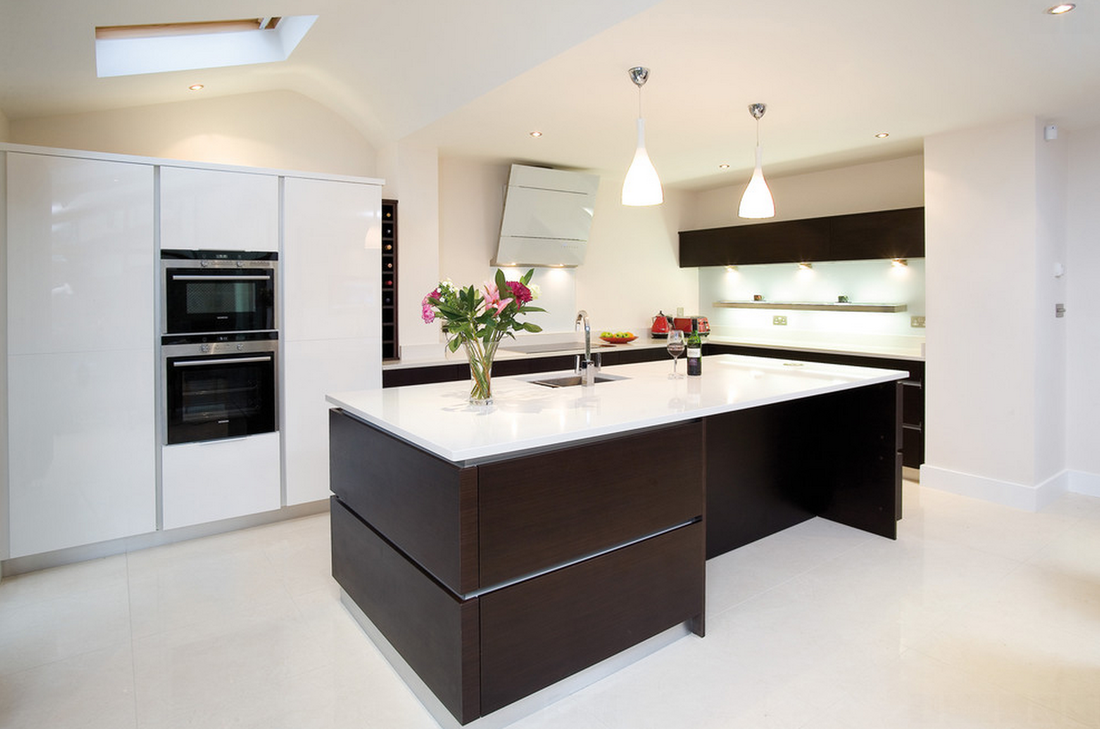 Best Contrasting This Beautiful Wenge Handleless Kitchen With A 400 x 300