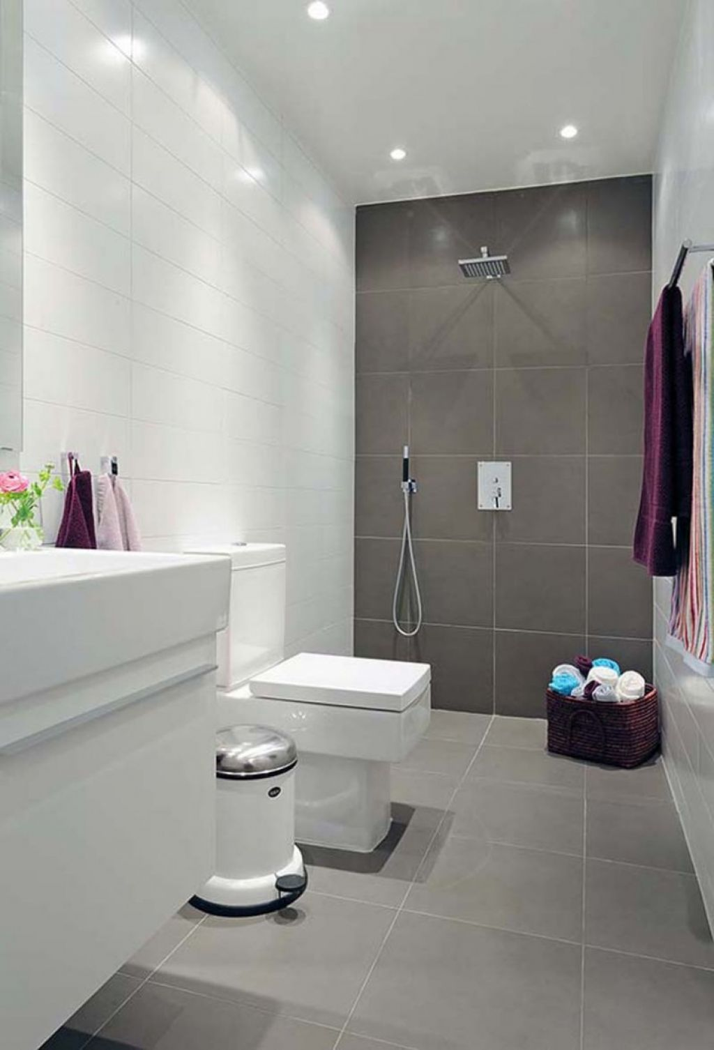 Bathroom tile to ceiling - Modern Bathroom With Same Tile On Floor And Wall Main Wall Tiled To Ceiling