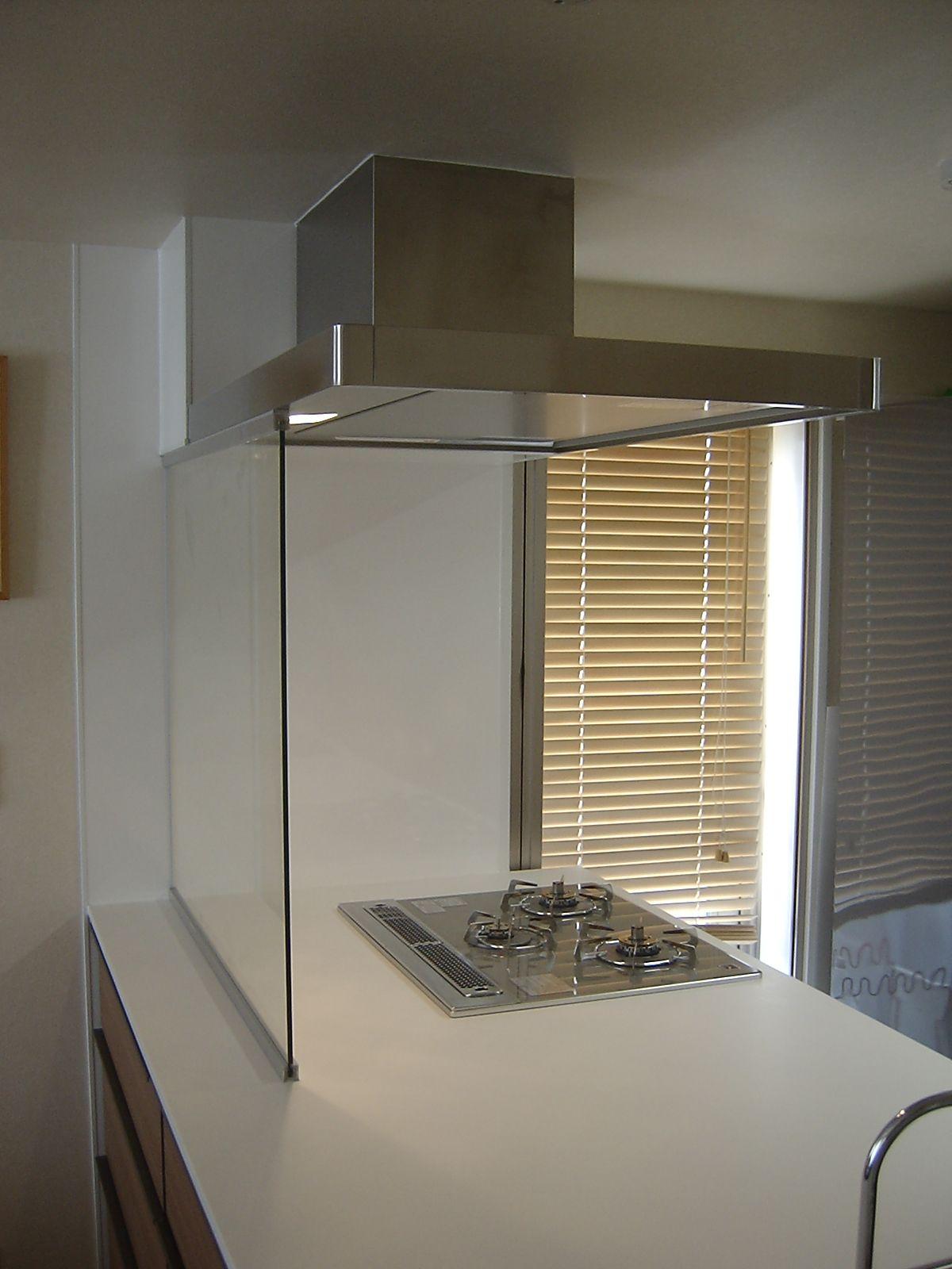 キッチンコンロのガラス製フロントスクリーン キッチンアイデア