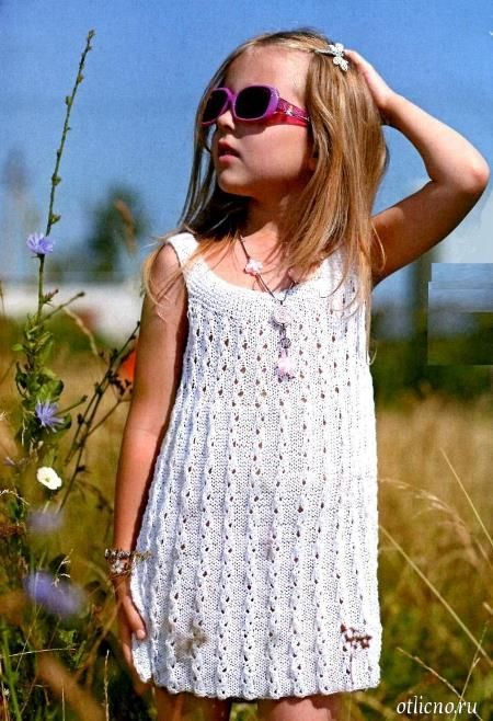 02b79628f2f Вязаное платье-сарафан для девочки спицами