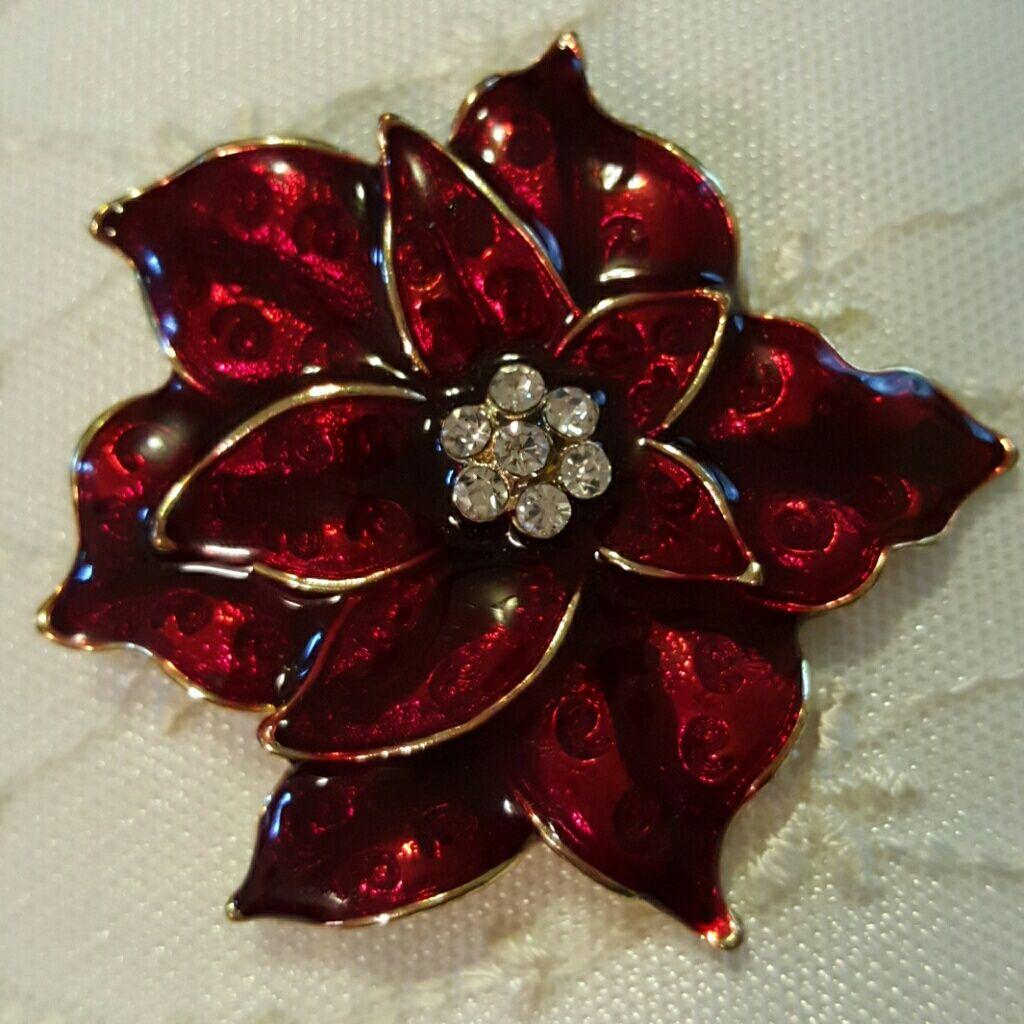 Poinsettia Brooche