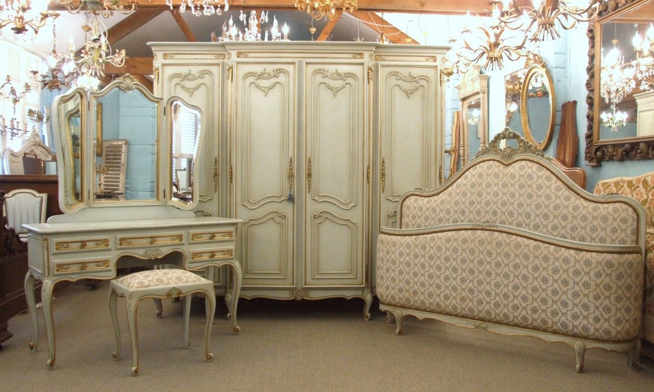 Antique Bedroom Furniture Styles Moore Creative Weddings In The Brilliant… - Antique Bedroom Furniture Styles Moore Creative Weddings In The