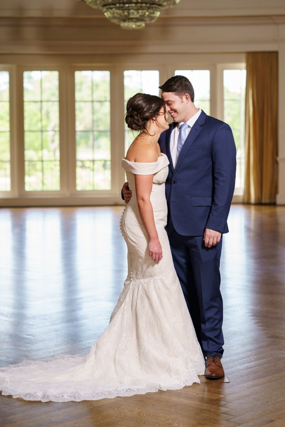 Romantic Wedding At River Oaks Country Club In Houston Texas Md Turner Photography Houston Houston Wedding Photographer Texas Wedding Photographer Wedding