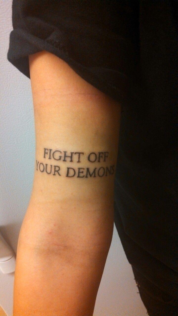 Kleine Tattoos Oberarm Innen Tattoo Tattoo Schrift Handgelenk