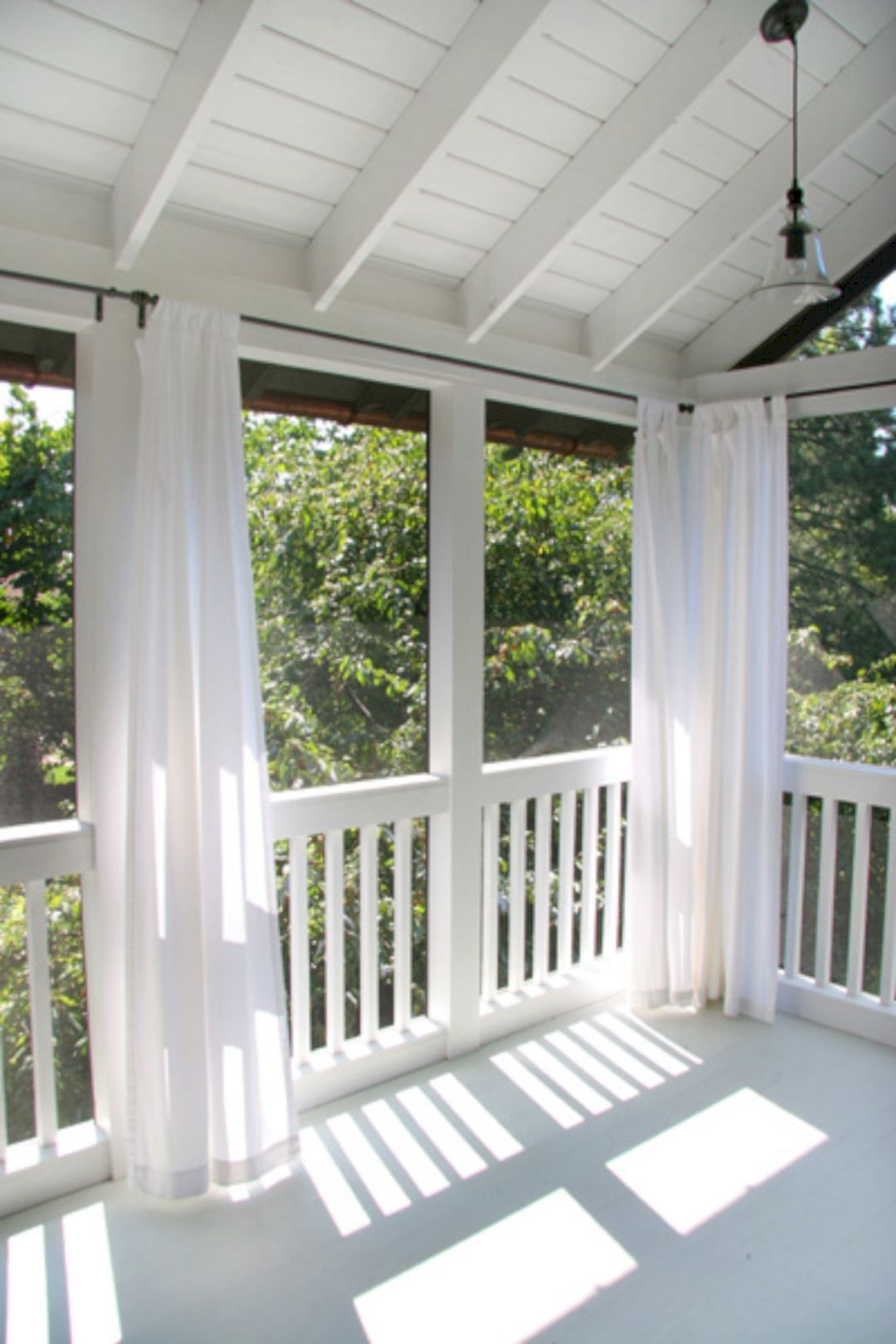 Wonderful Screened In Porch and Deck 119