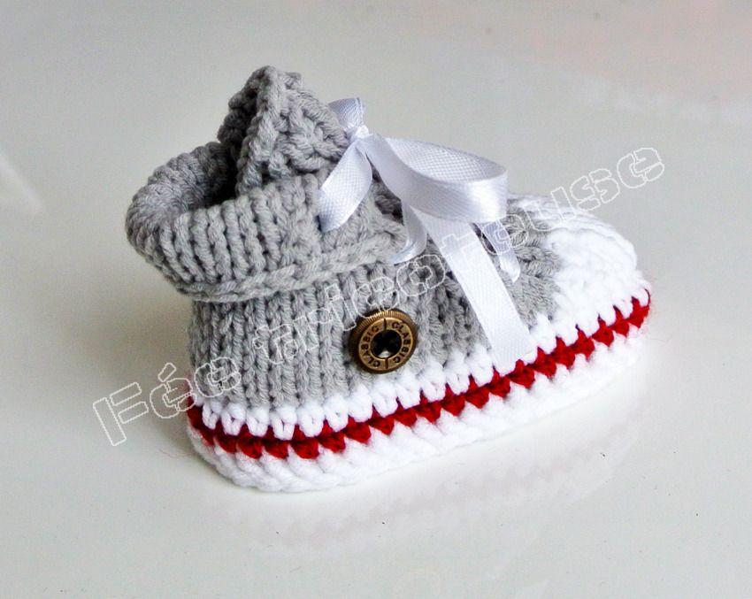 baskets bébé tricotées à la main (gris clair-ligne rouge) : Mode ...