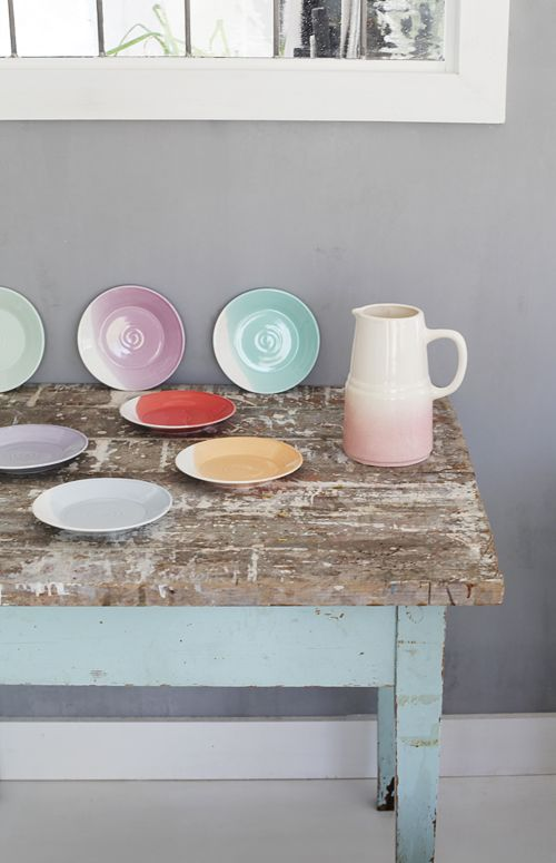 table, colors & dishes!
