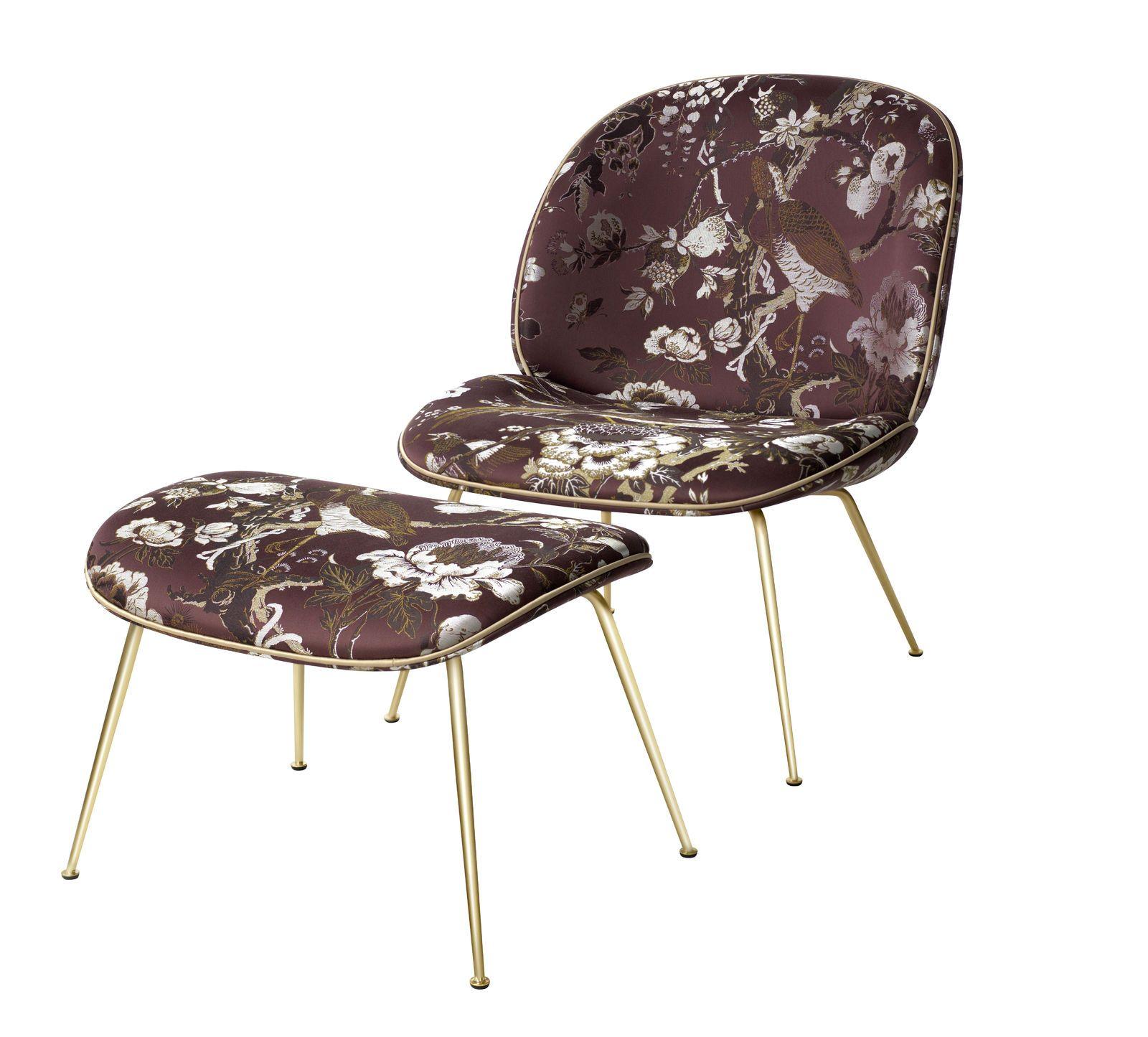 Beetle lounge chair and foot stool. Lounge stole, lænestol. | Gubi ...