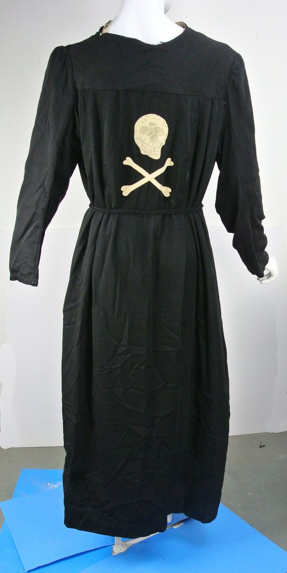 Vintage Odd Fellows Ceremonial Robes -Black with Skull and Cross ...