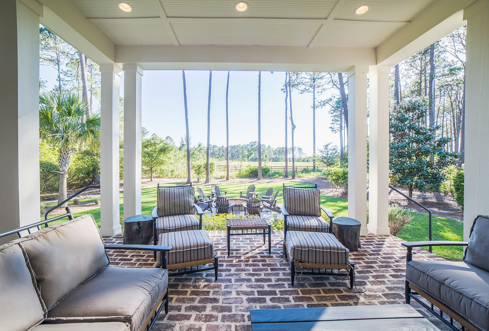 Spacious Backyard | Outdoor Living Ideas | Firepit | Outdoor Seating | Luxury Real Estate Bluffton, South Carolina | Southern Style | Lowcountry Living