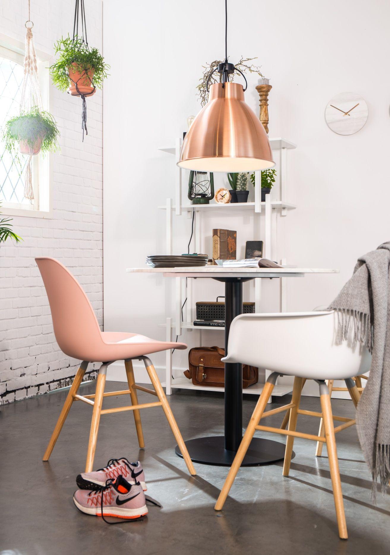 Koperkleurige hanglamp van Zuiver. Perfect voor een industrieel ...