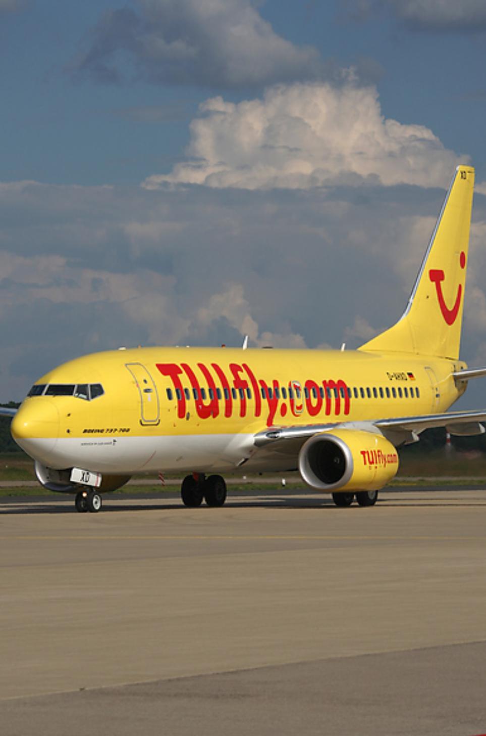 TUIfly Boeing 737-7K5 D-AHXD