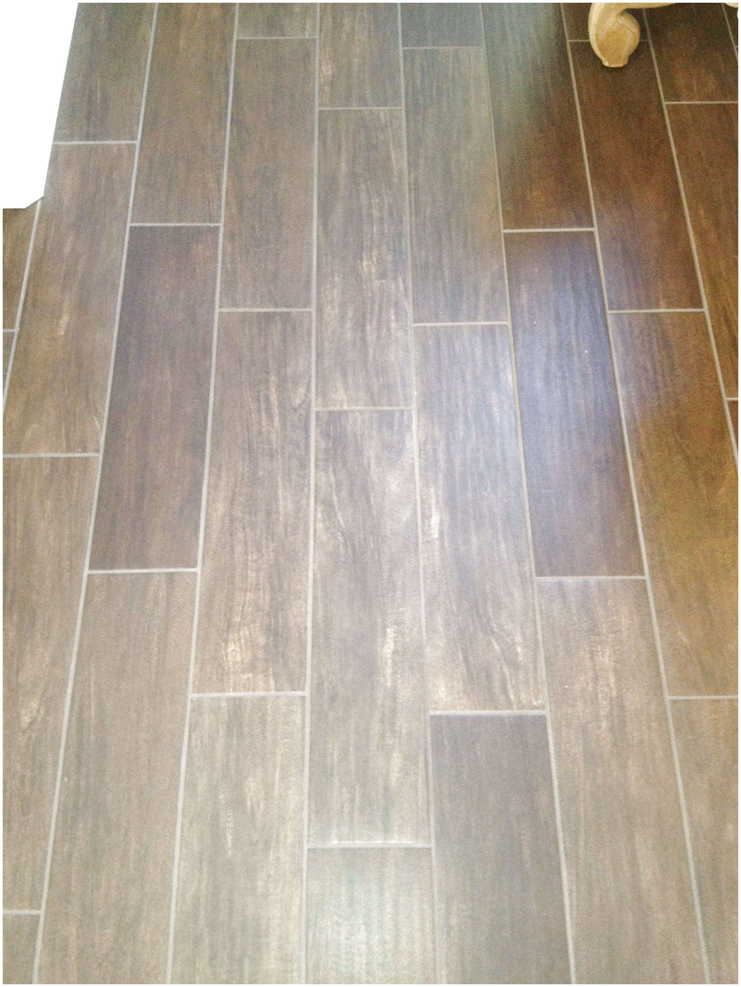Ceramic Tile That Resembles Hard Wood Floors Awesome For A Screened In Porch Flooringideas Click The Image For Hardwood Floors Flooring Hardwood Floor Colors