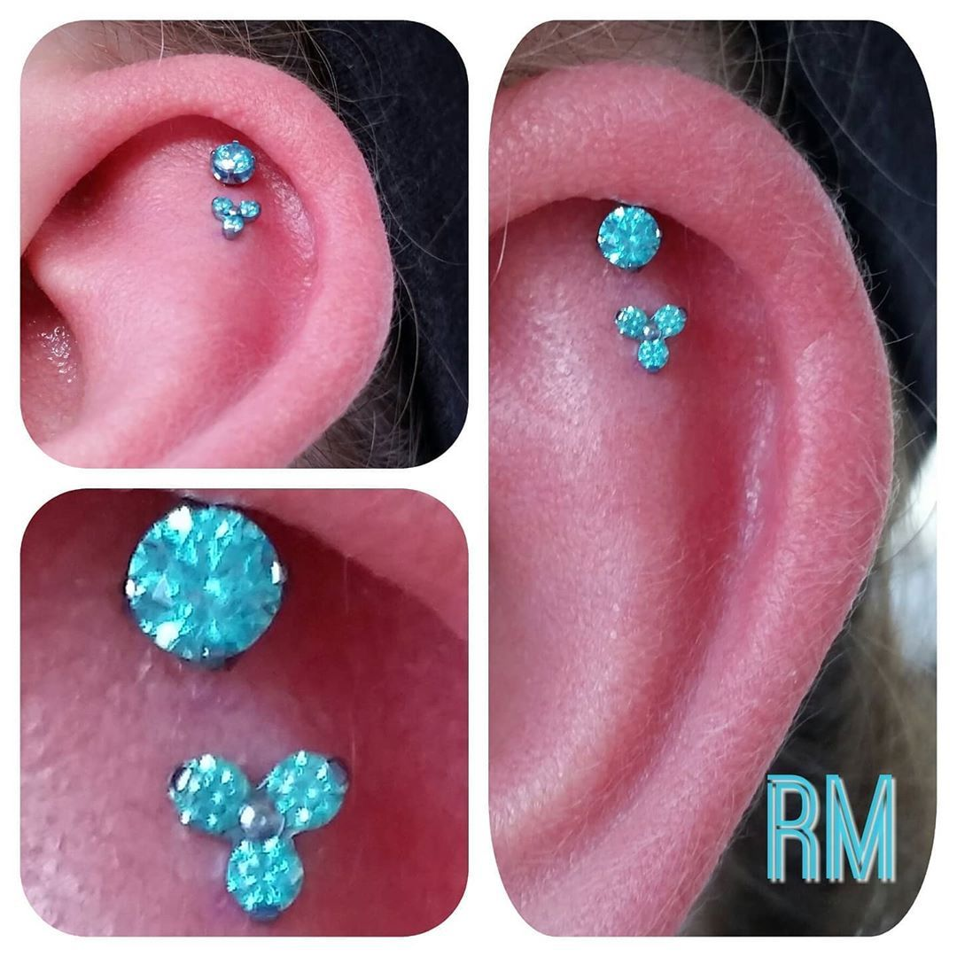 A fresh double helix with titanium and mint green CZ tops. 👌  Pierced at @elevation_arts_tattoo. Pierced with @thatsthepointllc. Healed with @steriwash.  #smoothestvibes #piercing #piercings #piercer #professionalpiercer #professionalpiercing #denverpiercing #coloradopiercing  #gold #goldjewelry  #jewelry #bodyjewelry #bodypiercer #bodypiercing #303 #milehighcity #milehigh #5280 #fashion #style #beautiful #beauty #denveruniversity #dupioneers #denvercolorado #denver #colorado #titaniumjewelry