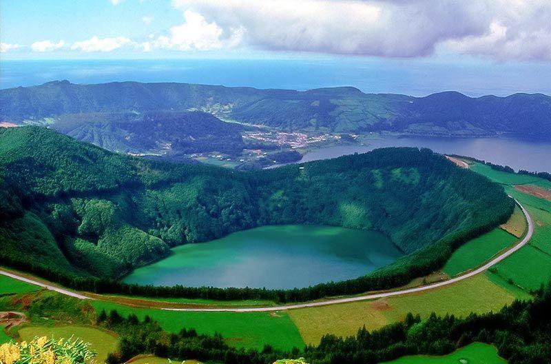 Lago De Santiago Acores Arquipelago Dos Acores Pinterest
