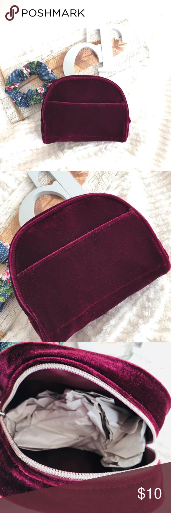 """NWT Crushed Velvet Makeup Cosmetic Bag Side Pocket 7""""x6"""
