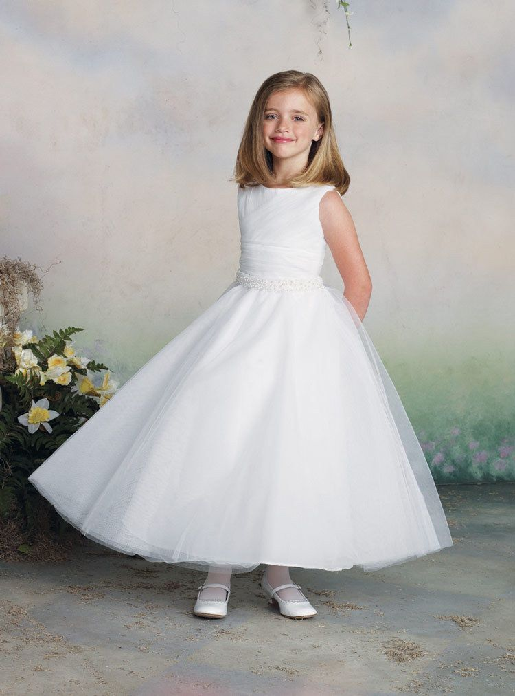 Joan Calabrese 112319 Communion Dresses