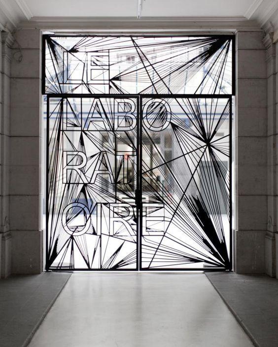 Paris Frankreich, Monsun, St Louis, Innenarchitektur, Anthropologie,  Vitrine Design, Wörter, Liedtext