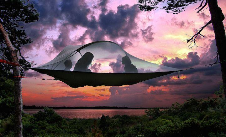 Conheça a Tentsile; uma barraca/rede adaptada para quem gosta de acampar.   Pesa pouco, exige menos trabalho para montar e é muito confortável.  Veja só: http://bit.ly/1wDgfCB