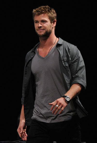 Chris Hemsworth Meow I Can Dig The Short Hair Chris Hemsworth Chris Hemsworth Thor Hemsworth