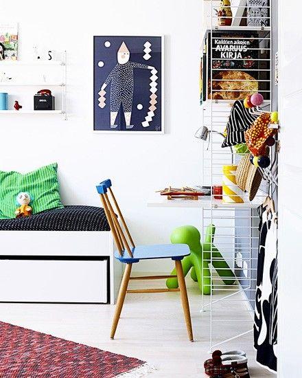 Une chambre d 39 enfant color e baby butter chambre enfant etagere chambre enfant chambre - Chambre enfant coloree ...