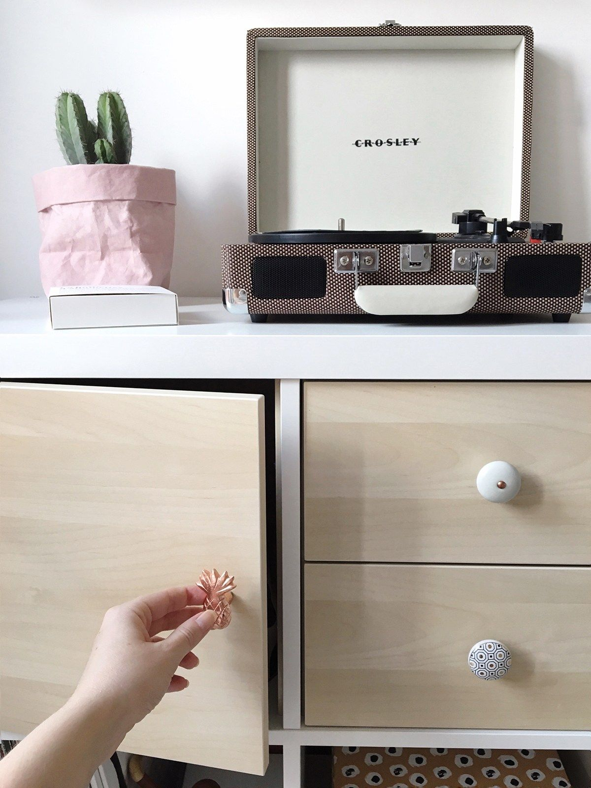 Scandinavian Interior Ikea Hack Customising A Kallax Shelving  # Customiser Tiroirs Et Portes Kallax
