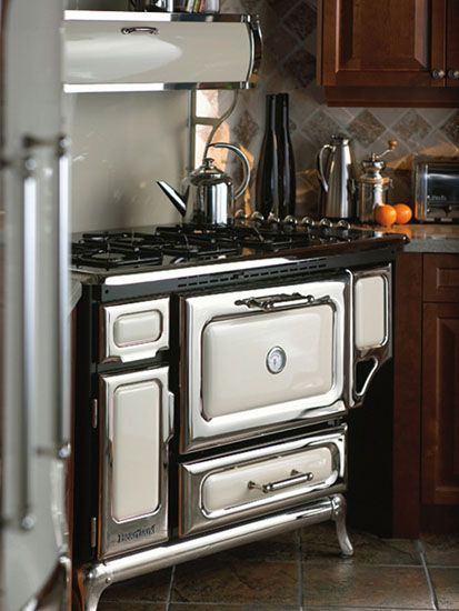 In this comparison we review retro appliance brands. These companies ...