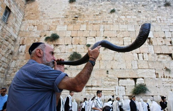Johnny Enlow's Rosh Hashanah word from year 5779 to 5780