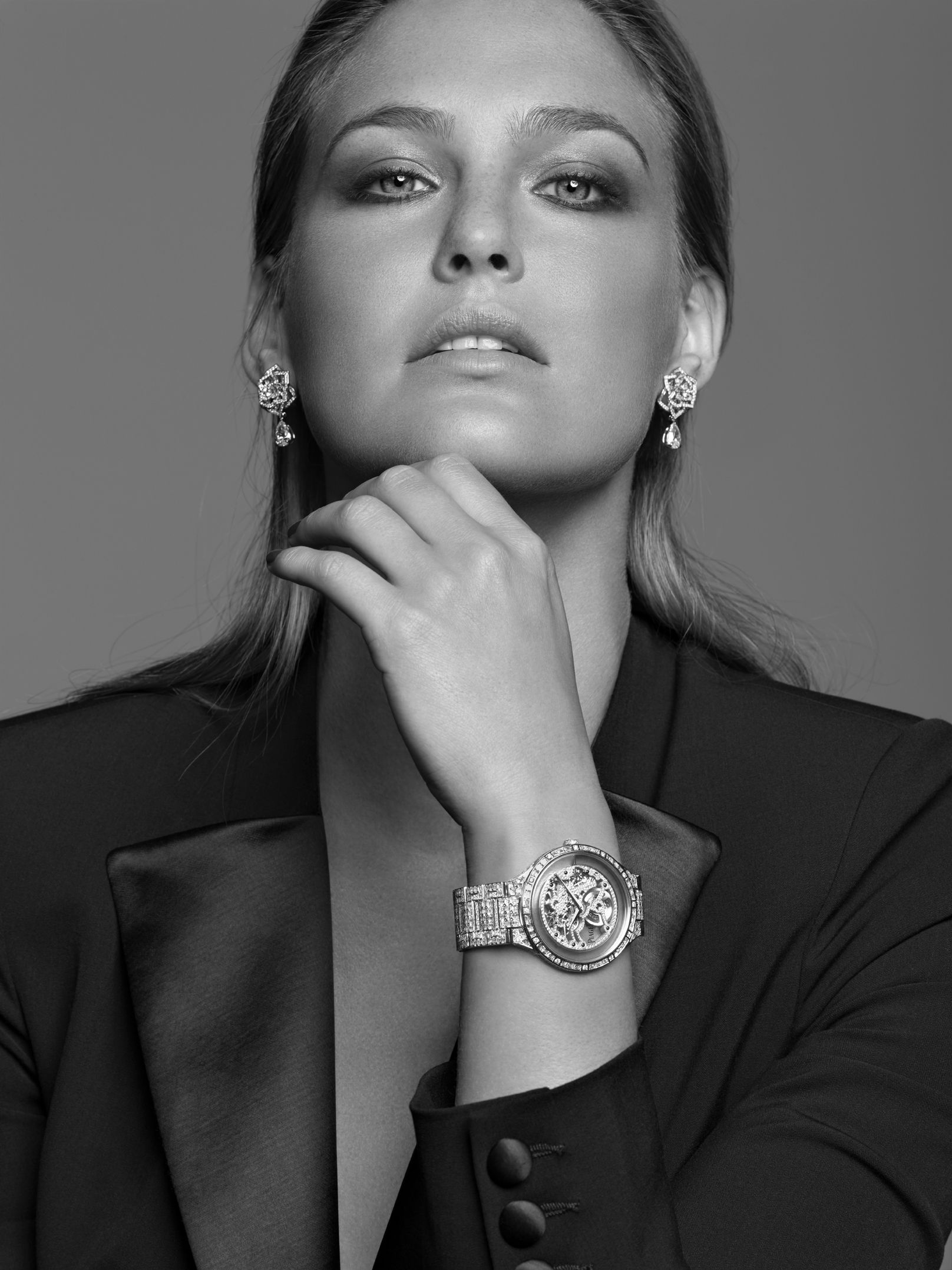 Bar refaeli wearing the piaget dancer skeleton watch celebrities in jewelry bar refaeli for Woman celebrity watches