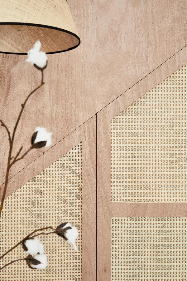 Bois Et Cannage L Association Du Moment Decoration Entree Idees Pour La Maison Cage Escalier
