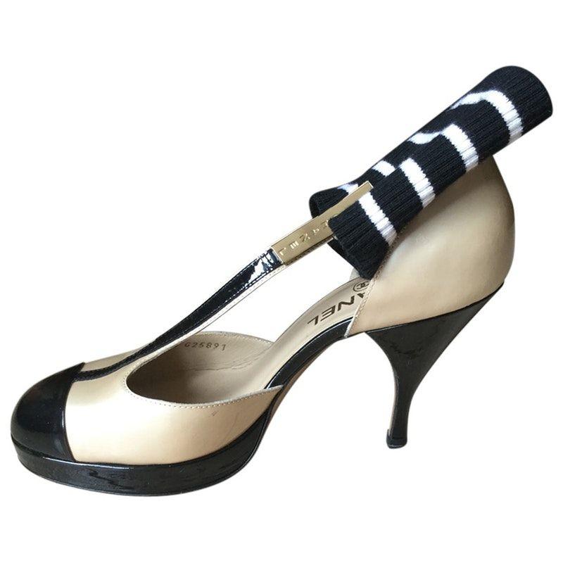 af213e30e06 beige Patent leather CHANEL Heels - Vestiaire Collective